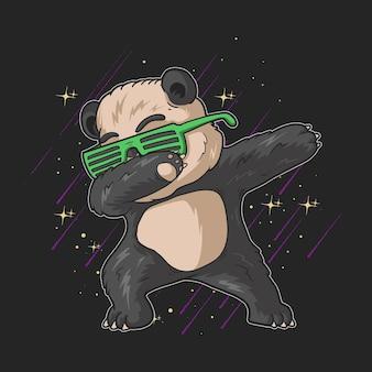 Netter kleiner panda mit grüner brille, der illustration auf schwarzem hintergrund mit sternen abtupft