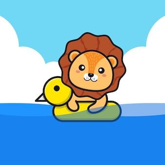 Netter löwe, der mit schwimmringkarikaturillustration schwimmt