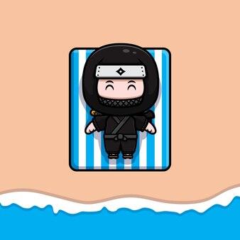 Netter ninja, der auf strandmaskottchenikonenillustration ein sonnenbad nimmt