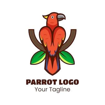 Netter papageienvogel, der auf einem baumast steht