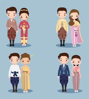 Netter thailändischer paarkarikatur im traditionellen kleid für hochzeitseinladungskartenentwurf