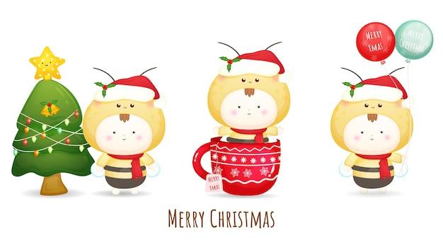 Nettes baby, das weihnachtsmütze für frohe weihnachten-illustrationssatz mit verschiedenen haltungen trägt premium-vektor