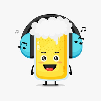 Nettes biermaskottchen, das musik hört