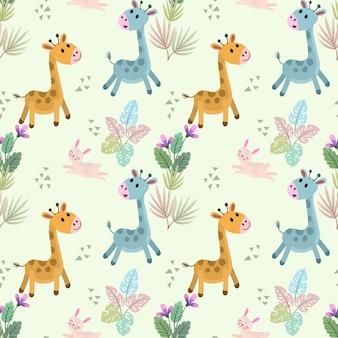 Nettes gartoon giraffe und nahtloses muster des kaninchens.