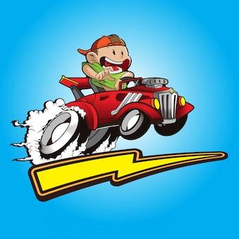 Nettes kind mit seinem hot rod auto