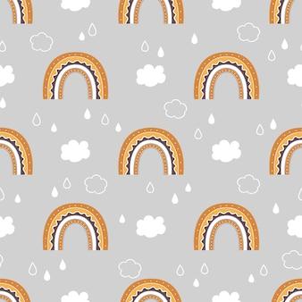 Nettes kindliches nahtloses muster mit regenbogenwolken und regen am himmel