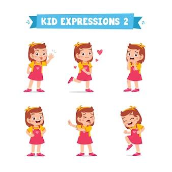 Nettes kleines kindermädchen in verschiedenen ausdrücken und gesten gesetzt