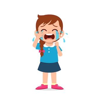 Nettes kleines mädchen mit weinen und wutanfall ausdruck
