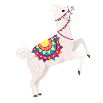 Nettes lama, das dekorativen sattel mit der flachen vektorillustration des musterkarikaturtierdesigns trägt, die auf seitenansicht des weißen hintergrundes lokalisiert wird.