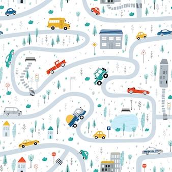 Nettes nahtloses muster der kinder mit autos, straße, park, häuser auf einem weißen hintergrund. illustration einer stadt im karikaturstil