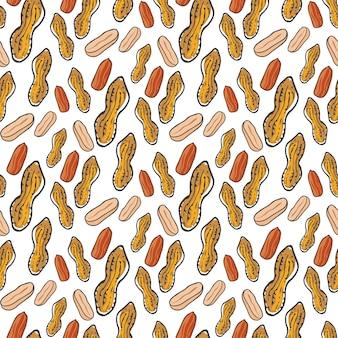 Nettes nahtloses muster mit erdnüssen. skizzierter natürlicher nuts hand gezeichneter vektorhintergrund. für ihr design, textilien, stoffe, oberflächenstrukturen, verpackungen.