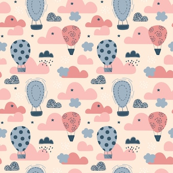 Nettes nahtloses muster mit luftballons. kindervektorillustration im skandinavischen stil