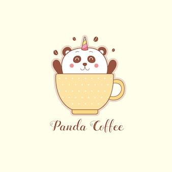 Nettes panda-einhorn in einer tasse kaffee-karikatur.