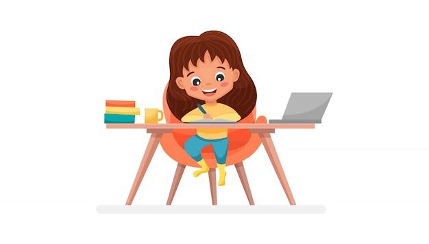 Nettes schulmädchen mit laptop. konzept zum lernen zu hause. verwendung für web-banner, website, mobile app. flache karikaturillustration lokalisiert auf weißem hintergrund.