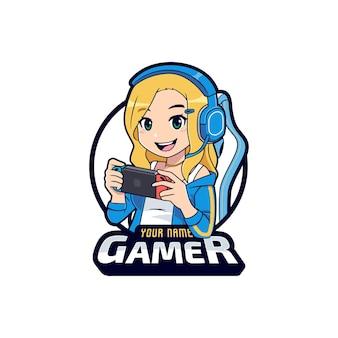 Nettes spielermädchen, das auf dem mobilen konsolenlogo-cartoon spielt
