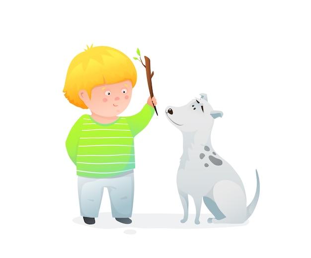 Nettes vorschulkindkind und seine hundefreunde, spielen freunde charaktere und tier und ein kind.
