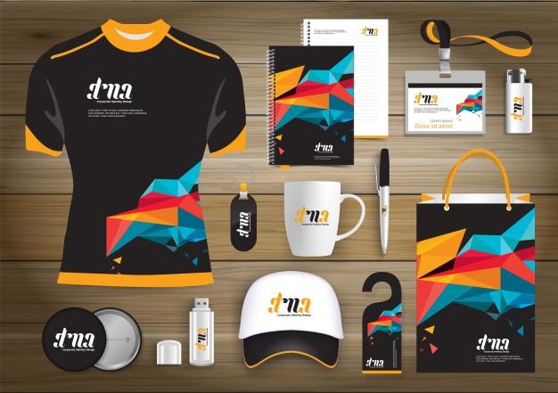 Network gift items, color werbe-souvenirs design für link corporate identity mit technologie-linien. schreibwaren-set, digital-tech-vorlage mock up