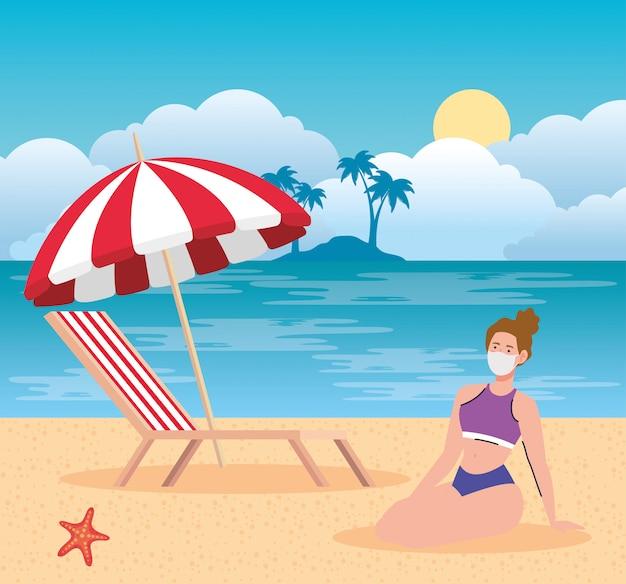 Neues normales sommerstrandkonzept nach coronavirus oder covid 19, frau, die medizinische maske im strand trägt