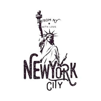 New york city bekleidungsdesign mit freiheitsstatue, druck für t-shirt, monochromen stil und grunge-effekt