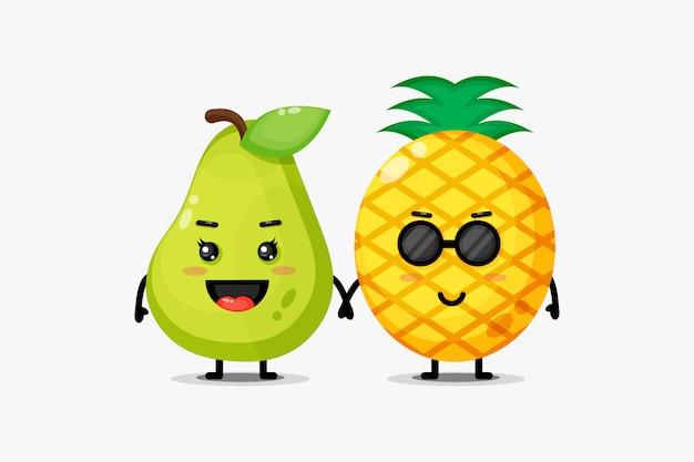 Niedliche birnen-ananas-maskottchen, die hände halten