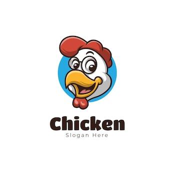 Niedliche cartoon-huhn-maskottchen-logo-lebensmittel-design-illustration