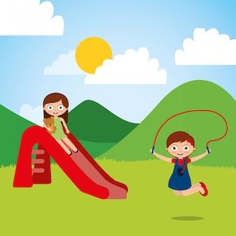 Niedliche glückliche kleine kinder, die rutschespringseilspielplatz spielen