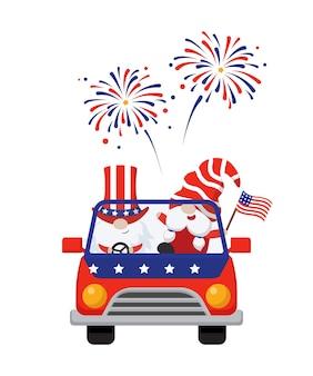 Niedliche gnome, die auto mit 4. juli-themafeier usa-unabhängigkeitstag flat reiten