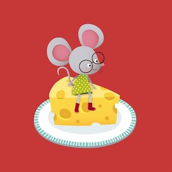 Niedliche karikaturmaus, die auf einem stück käse sitzt.
