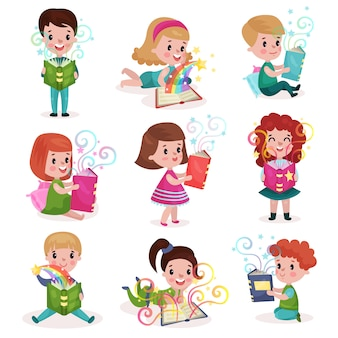 Niedliche kleine jungen und mädchen, die märchenbuchset lesen, kinderphantasiekonzept bunte karikaturillustrationen