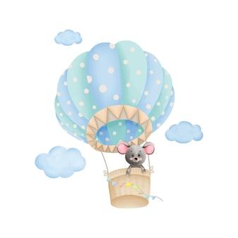 Niedliche kleine maus in einem heißluftballon. baby