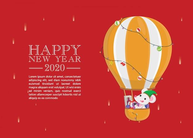 Niedliche ratte, die auf heißluftballon mit mehreren geschenkboxgrußkarte fliegt
