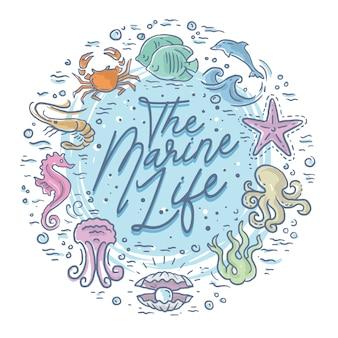 Niedliche schrift und tiere der unterwasserwelt