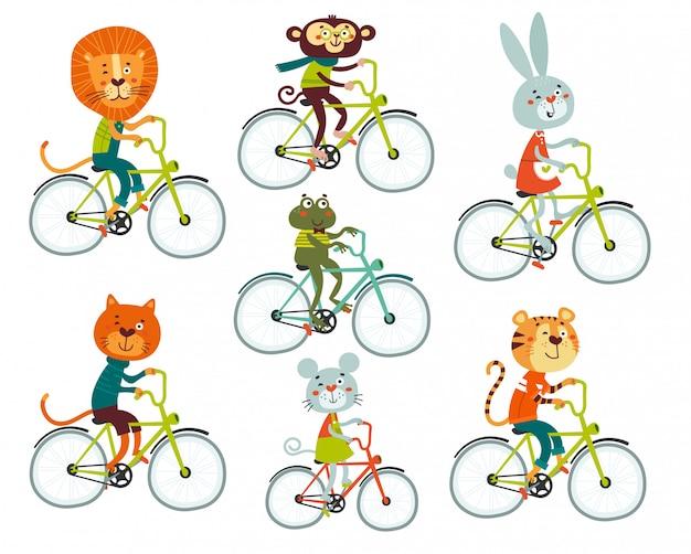 Niedliche tiere in einem flachen stil löwe, tiger, kaninchen, frosch, affe, maus fahren fahrrad