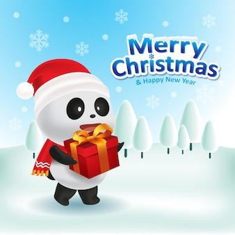 Niedlicher panda mit roter kappe und rotem schal, der eine geschenkbox für weihnachten trägt