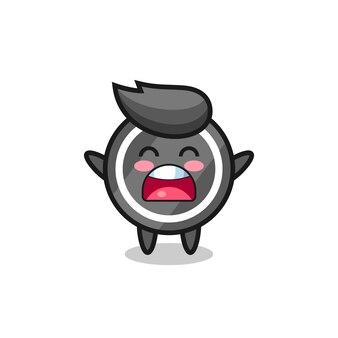 Niedliches hockey-puck-maskottchen mit einem gähnen-ausdruck, süßes design für t-shirt, aufkleber, logo-element