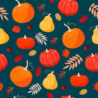 Niedliches nahtloses muster mit handgezeichneten kürbissen verschiedenen formen auf dunklem türkisfarbenem hintergrund. muster für thanksgiving, halloween, geschenkverpackung oder textil.
