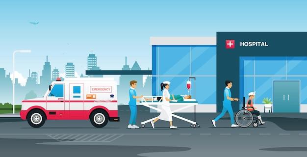 Notfallteams und krankenschwestern brachten die unfallopfer ins krankenhaus