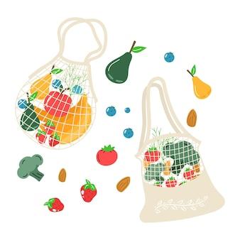 Öko-einkaufsnetz aus baumwolle mit gemüse, obst und gesunden getränken. milchprodukte in wiederverwendbarer, umweltfreundlicher einkaufstasche. zero waste, plastikfreies konzept. flaches trendiges design