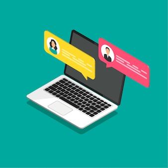 Online-chat-konzept. isometrischer laptop mit dialogfeldern. modernes design von messaging-blasen.
