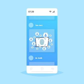 Online-mobile anwendung biometrische fingerabdruck sicherheit datenschutz zugriff auf zukünftige computertechnologie benutzeridentifikationskonzept smartphone-bildschirm
