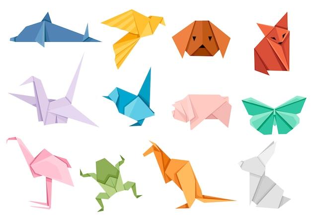 Origami japanisches tierset. modernes hobby. illustration auf weißem hintergrund. bunte papiertiere, niedrig polygonal