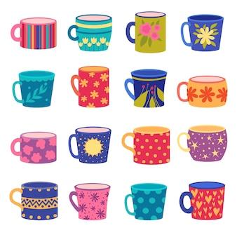 Ornamente tasse. trendige handgemachte farbige tassen mit floralen und geometrischen texturen gezeichneten vektorset. illustration tasse für kaffee und tee mit farbigem muster