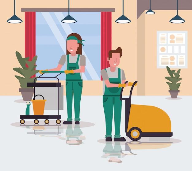 Paar arbeiter in der hauswirtschaft mit dem glänzen