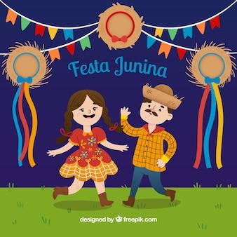 Paar tanzen in festa junina hintergrund