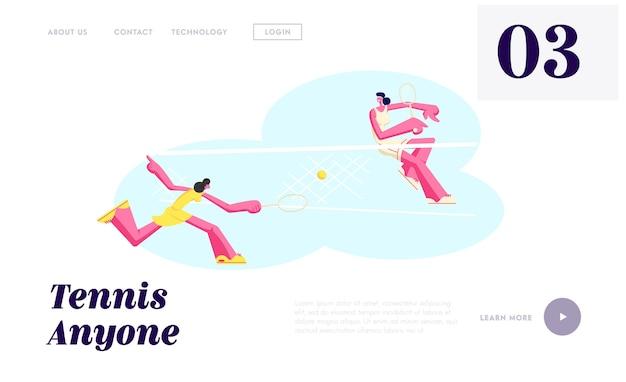 Paar tennisspielerinnen in bewegung während des turnierwettbewerbs ball mit schlägern über korb schlagen.