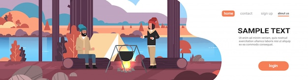 Paar wanderer mann frau kochen mahlzeiten in bowler kochtopf am lagerfeuer in der nähe von lager zelt camping herbst landschaft natur fluss berge