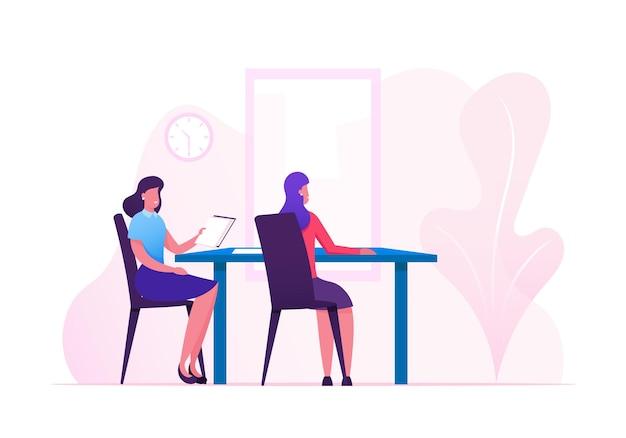 Paar weibliche geschäftsfiguren, die am tisch sitzen und verhandlungen im besprechungsraum oder im büro des chefs führen. karikatur flache illustration