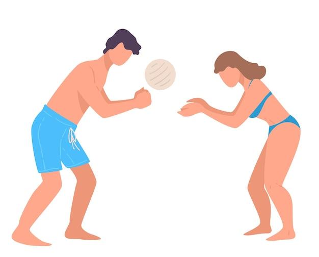 Paare, die im sommerurlaub volleyball spielen. mann und frau in badeanzügen verbringen aktiv wochenenden oder ferien. männlicher und weiblicher wurfball, leute am strand. vektor im flachen stil