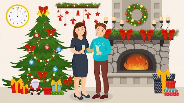 Paare, die zusammen neues jahr in verziertem raum mit weihnachtsbaum feiern