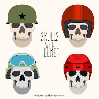 Pack schädel mit unterschiedlichen helmen